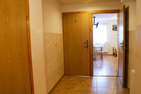korytarz wejście do pokoi
